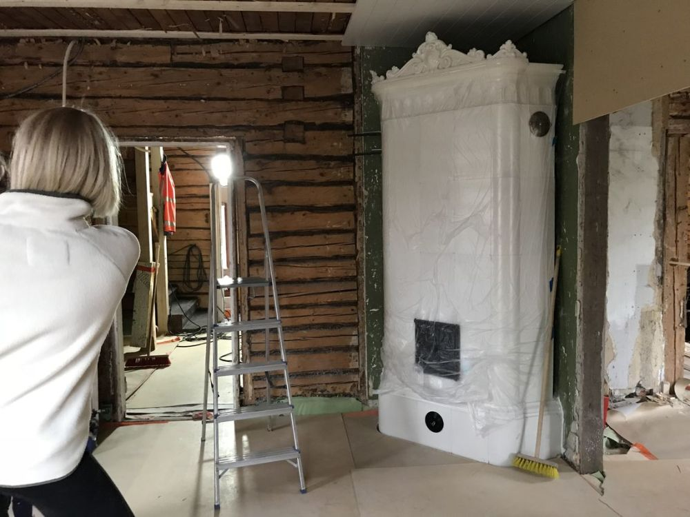 04-valmis-kaakeliuuni-suojattiin-rakennuspolylta_small